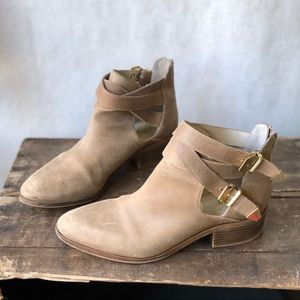 Seychelles Tan Cut Out Booties